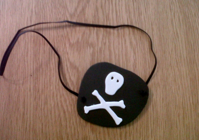 How to make a pirate eye patch - Actually Mummy...