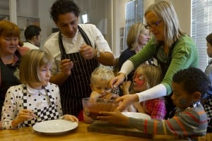 """francesco mazzei cooks with children"""