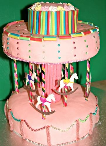 Novelty birthday cakes - carousel cake