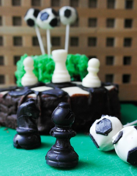 Sporty cakes: Chess peices for my chessboard cake