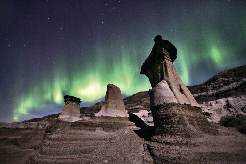 The Northern Lights at Drumheller would be amazing to see #AlbertaDinosaurs