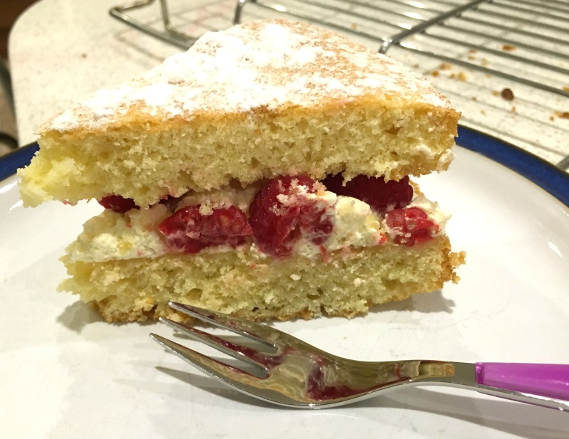 How to make fluffier cake: Lemon and Raspberry Victoria Sponge Sandwich recipe with the Sage Scraper Mixer Pro
