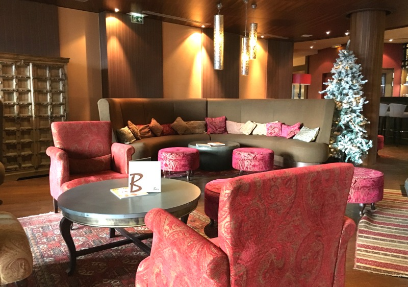 Lounge in reception