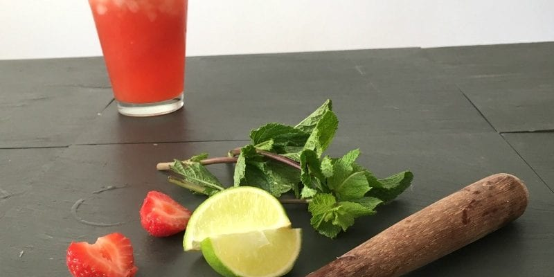 Mouthwatering Strawberry Mojito recipe (non-alcoholic)