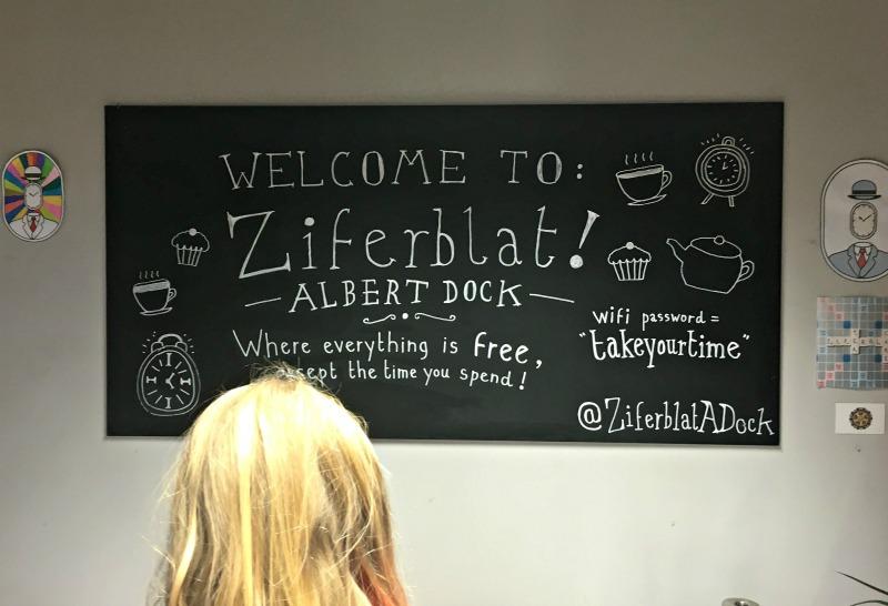 Ziferblat Cafe