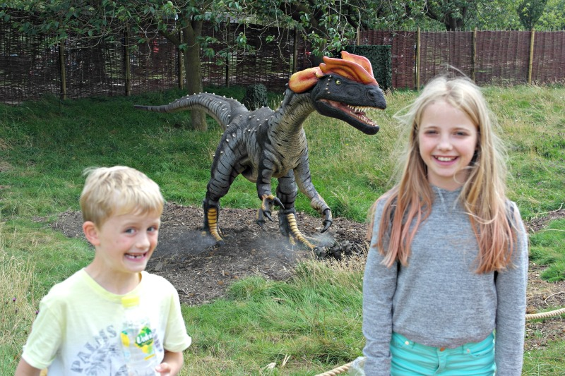 The dinosaur enclosure at Whipsnade is the newest scary animal attraction #ZoorassicPark